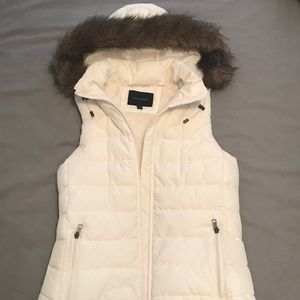 BR Super soft and puffy fur lined quilted vest